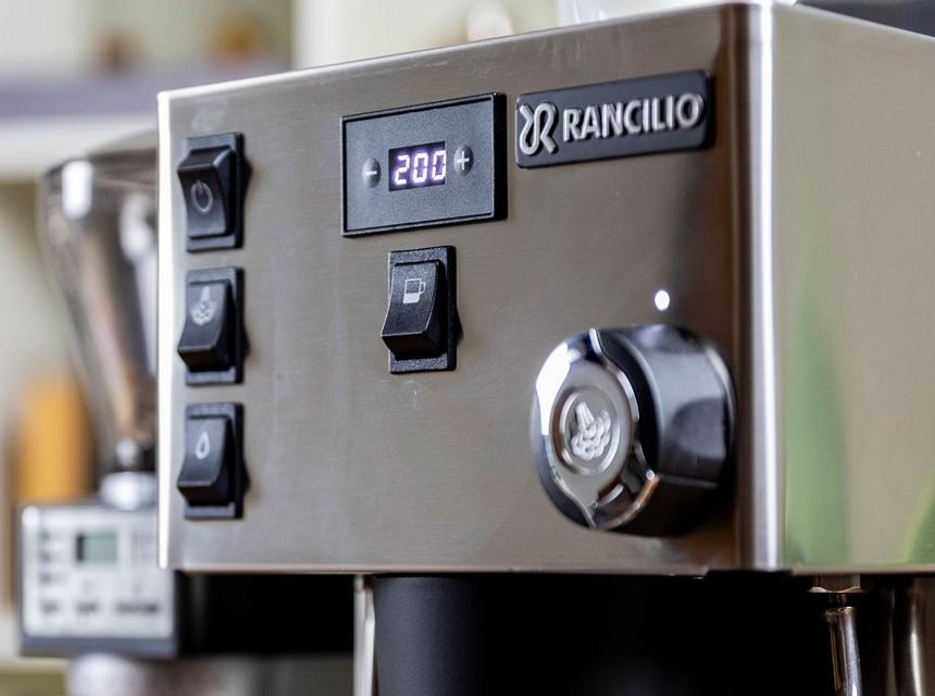 Rancilio Silvia Pro Review: The Upscale Minimalism!