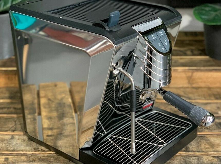 Nuova Simonelli Oscar II Review: Barista-Quality Coffee at Home