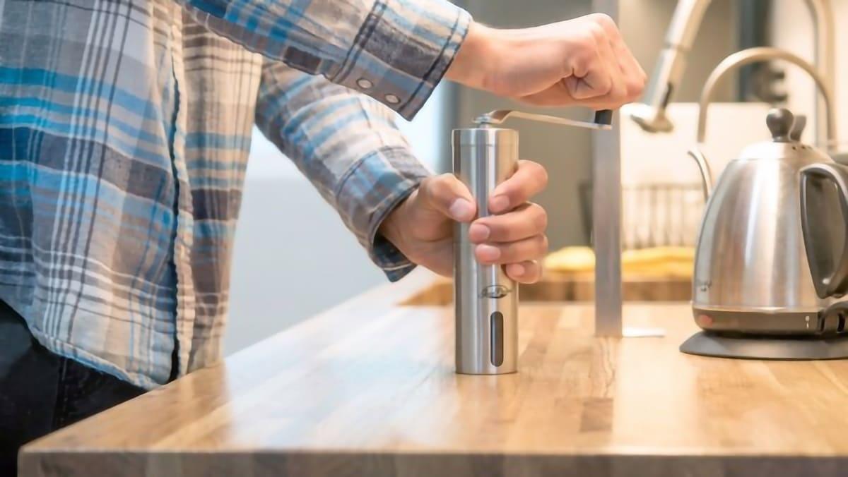 JavaPresse Manual Coffee Grinder Review: Enjoy Your Joe Everywhere